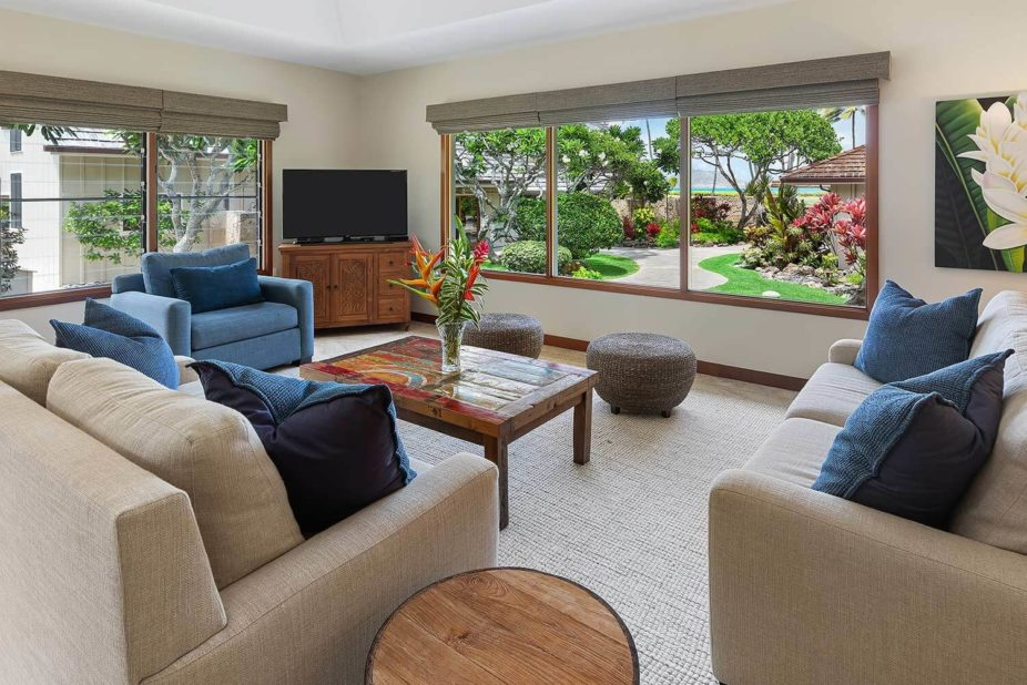 Kailua Shores tennis house living room view